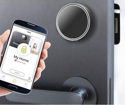 электронный замок открыть через телефон смартфон android apple